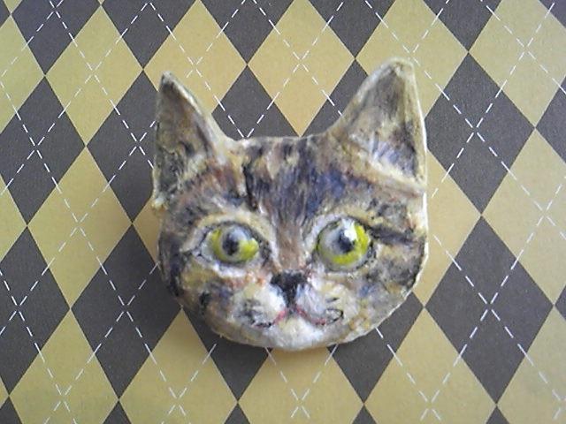 ちょっとリアルな猫ちゃんバッチーとら