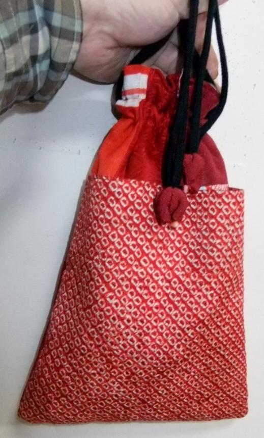 着物リメイク 縮緬と絞りの着物で作った巾着袋 932