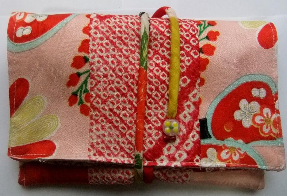 着物リメイク 絞りと女の子の着物で作った和風財布936