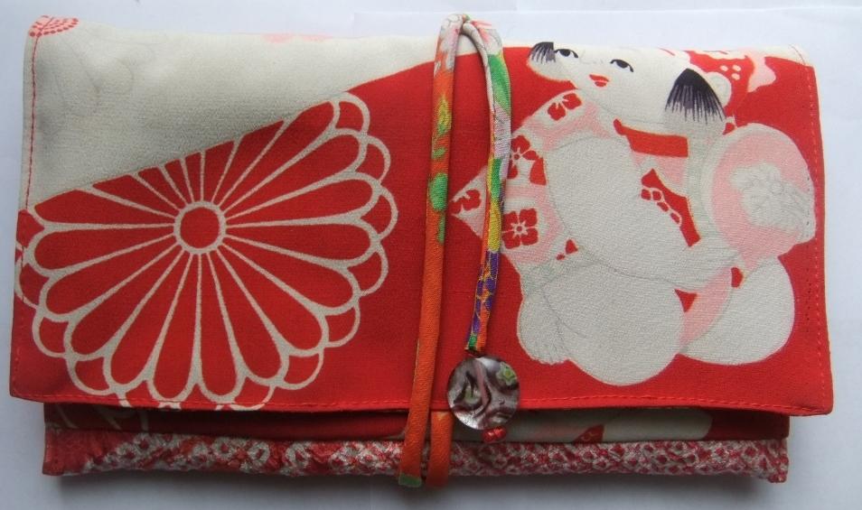 着物リメイク 女の子の着物と絞りの羽織で作った和風財布 959