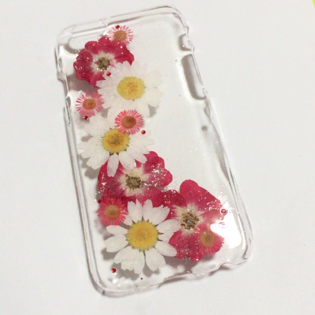 押し花をつかったiPhoneケース