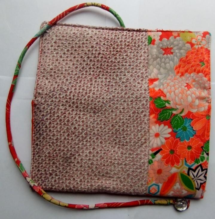 着物リメイク 絞りの羽織と花柄の着物で作った和風財布 986