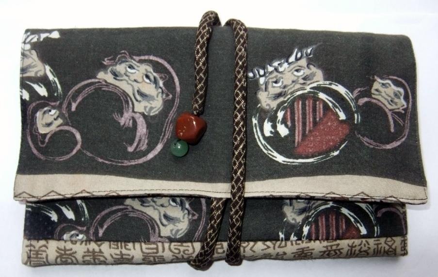 着物リメイク 羽織の裏地で作った和風財布 987