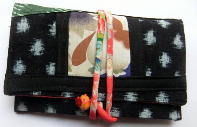 着物リメイク 雪ん子絣で作った和風財布 989