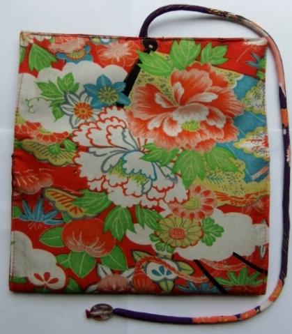 着物リメイク 花柄の長襦袢で作った和風財布 1007
