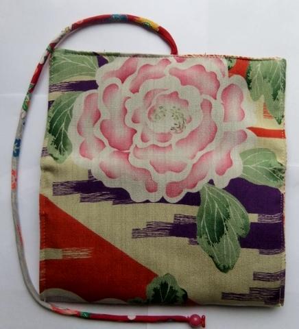 着物リメイク 花柄の着物で作った和風財布 1009