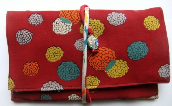 着物リメイク 花柄の着物で作った和風財布 1013