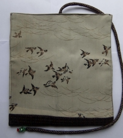 着物リメイク 羽織の裏地で作った和風財布 1017