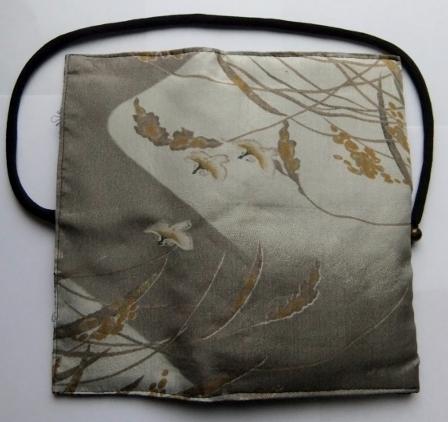 着物リメイク 羽織の裏地で作った和風財布1023