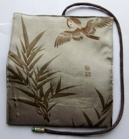 着物リメイク 羽織の裏地で作った和風財布 1025