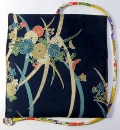 着物リメイク 花柄の着物で作った和風財布 1039