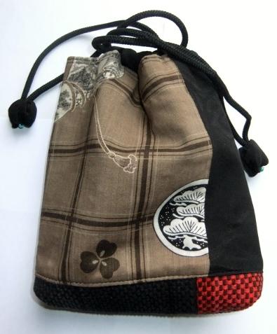 着物リメイク モスの襦袢と黒の羽織で作った信玄袋 1063