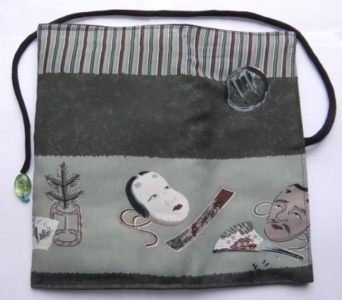 着物リメイク 羽織の裏地で作った和風財布 1095