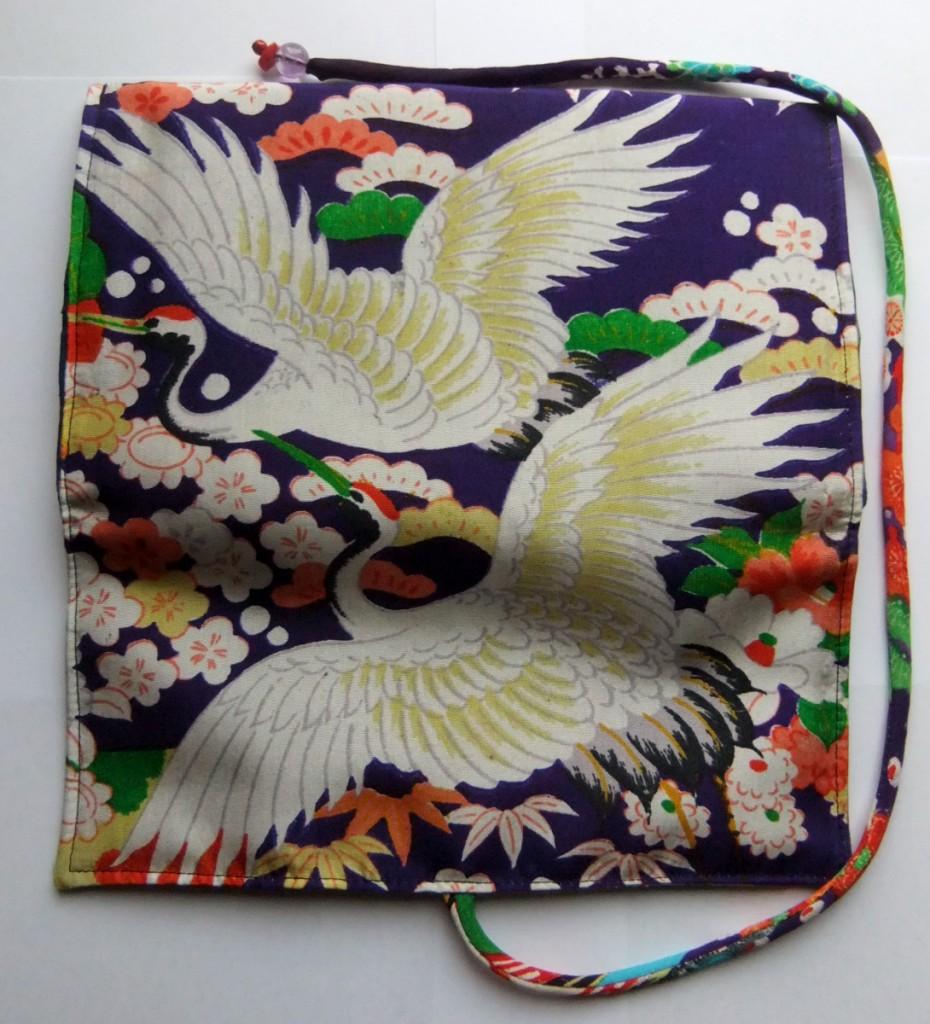 着物リメイク 鶴と花柄の着物で作った和風財布 1099