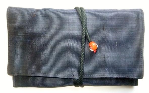 着物リメイク 銘仙の着物で作った和風財布 1119