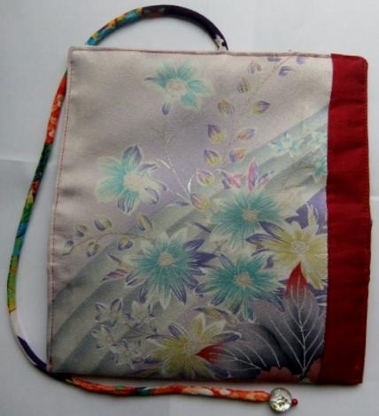 着物リメイク 花柄の振袖で作った和風財布 1190