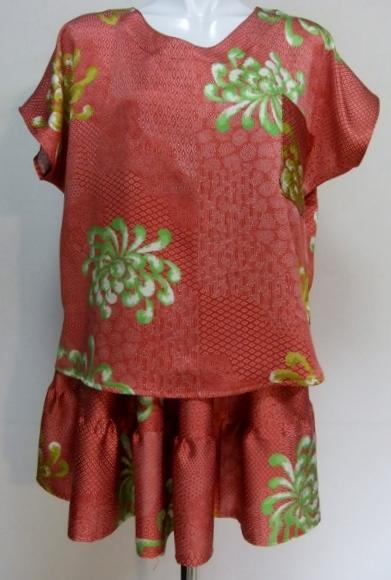 着物リメイク 花柄の着物で作ったTシャツ 1344