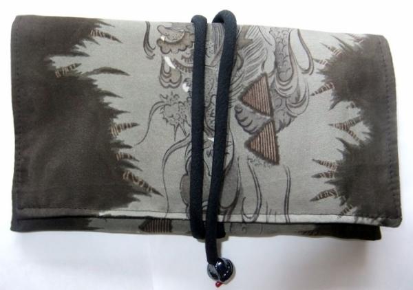 着物リメイク 羽織の裏地で作った和風財布 1568
