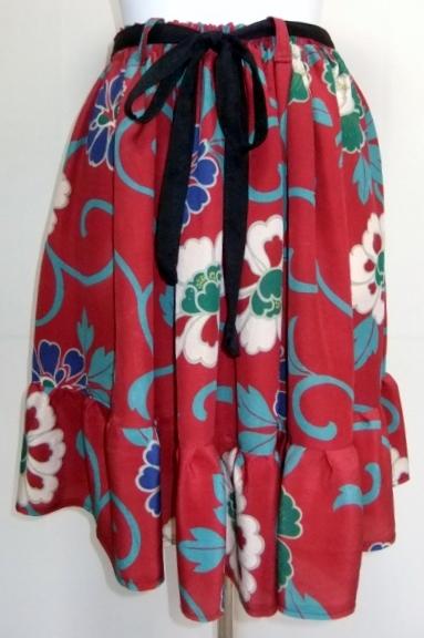 着物リメイク 花柄の着物で作った膝丈スカート 1629