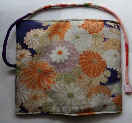着物リメイク 花柄の着物で作った和風財布 1663