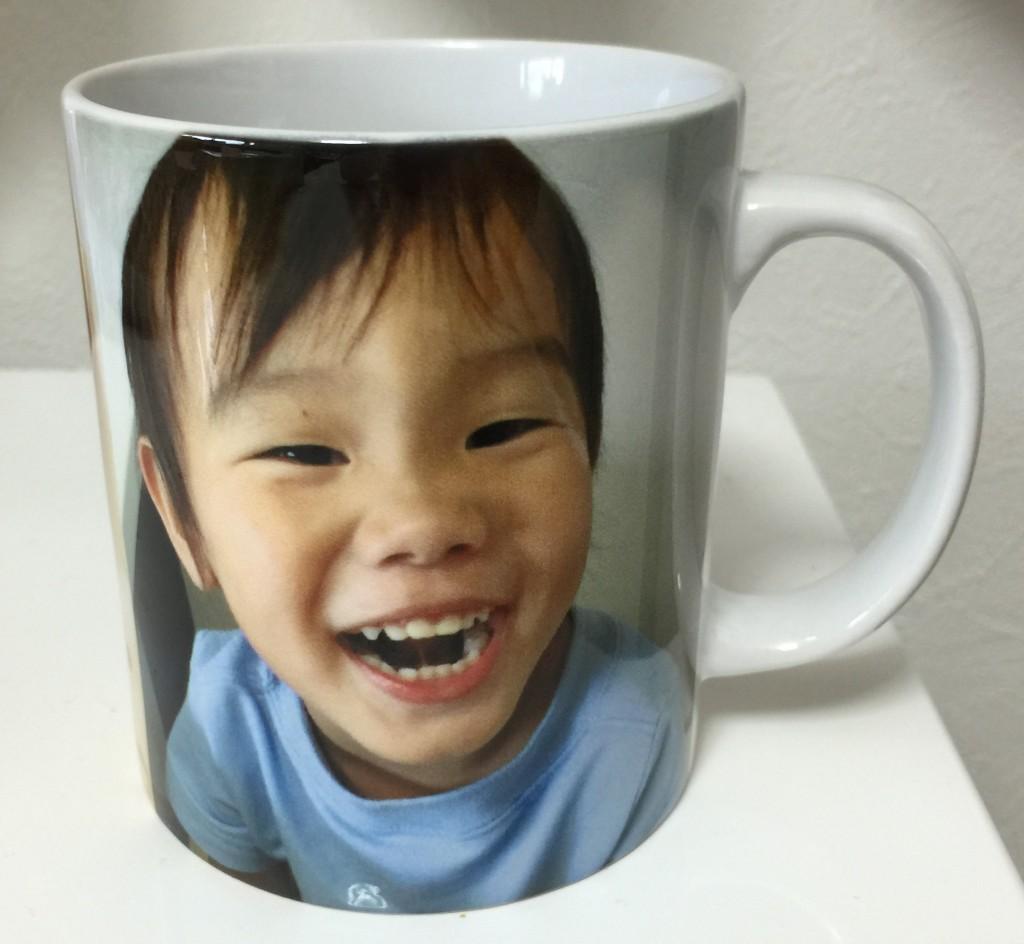 写真や文字が入れられるマグカップ
