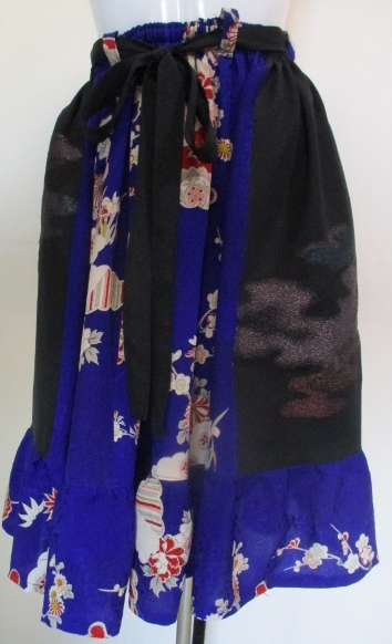 送料無料 花柄の着物で作った膝丈スカート 2568