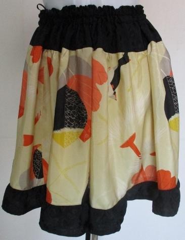 送料無料 羽織の裏地と黒の着物で作ったミニスカート 2771
