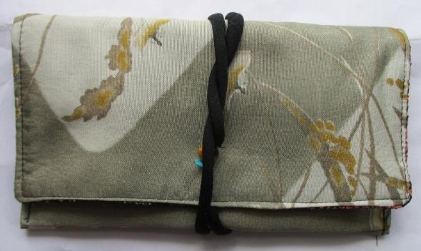 送料無料 羽織の裏地で作った和風財布・ポーチ 2691