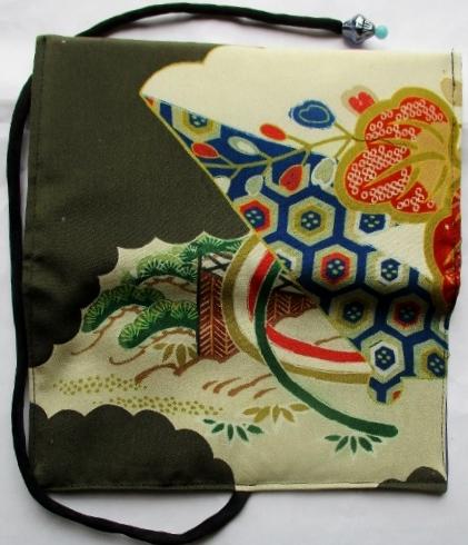 送料無料 色留袖で作った和風財布・ポーチ 2715