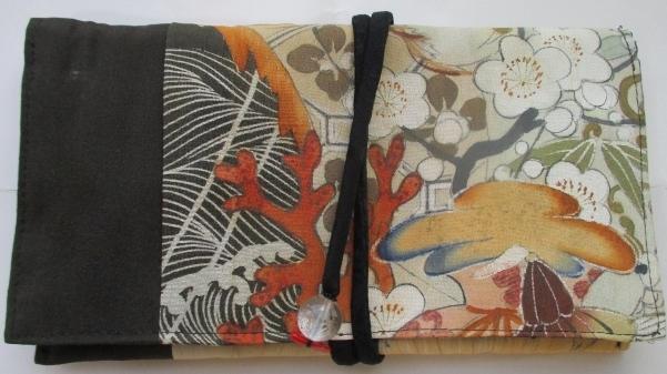 送料無料 泥染の色留袖で作った和風財布・ポーチ 2734