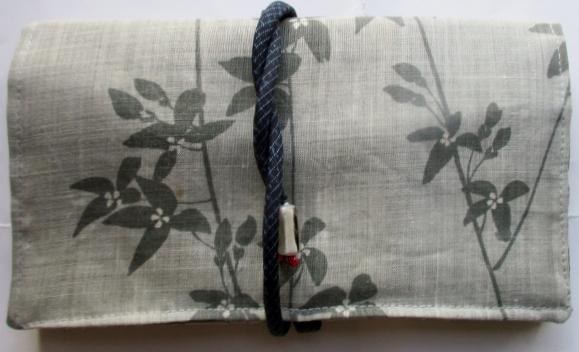 送料無料 着物リメイク 麻の着物で作った和風財布・ポーチ 2796