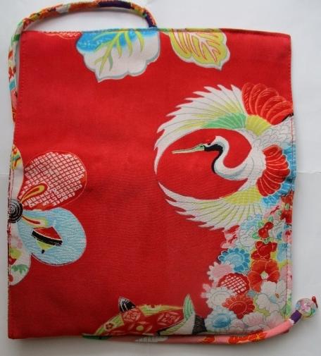 送料無料 花柄の羽織の裏地で作った和風財布・ポーチ 2866