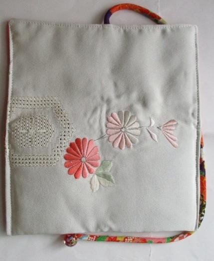 送料無料 花柄の羽織で作った和風財布・ポーチ 2872