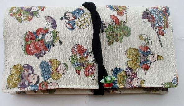 送料無料 縮緬の着物で作った和風財布・ポーチ 2889