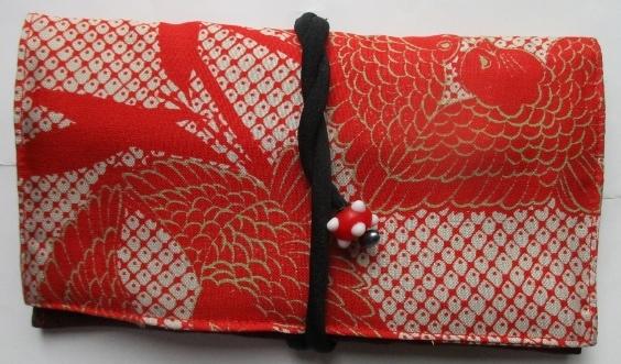 送料無料 雀柄の着物で作った和風財布・ポーチ 2905