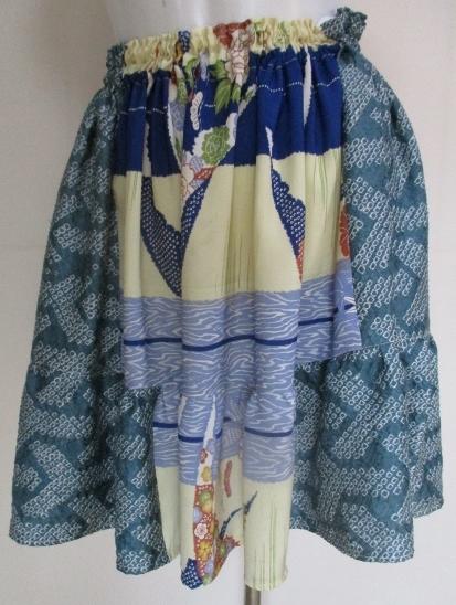 送料無料 絞りと花柄の着物で作ったミニスカート 2945
