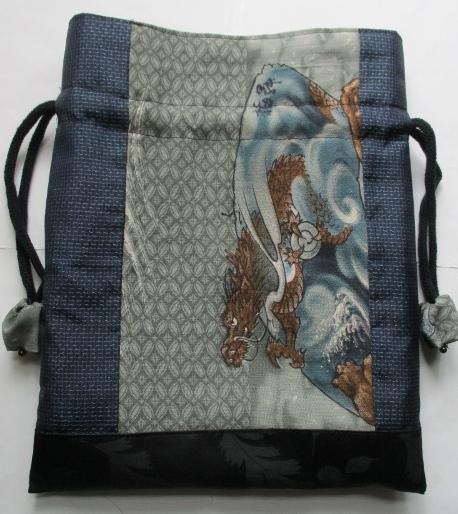 送料無料 藍大島紬とモスの長襦袢で作った巾着袋 3093