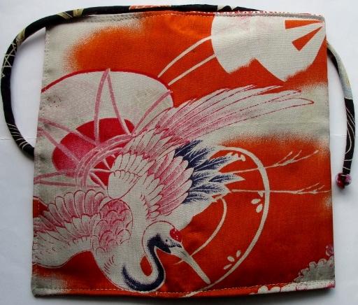 送料無料 鶴の絵柄の羽織の裏地で作った和風財布 3211