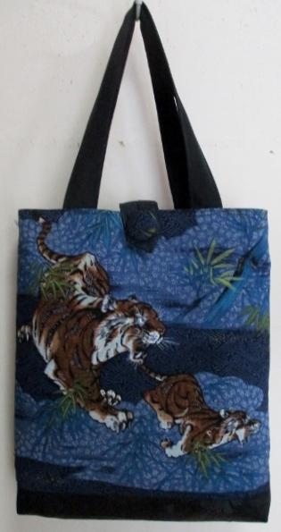 送料無料 虎の絵柄の長襦袢で作った手提げ袋 3281
