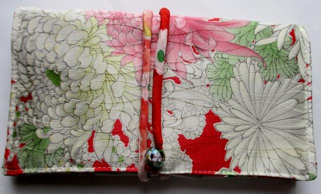 送料無料 花柄の振袖で作った和風財布・ポーチ 3323