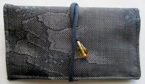 送料無料 大島紬の着物で作った和風財布・ポーチ3340