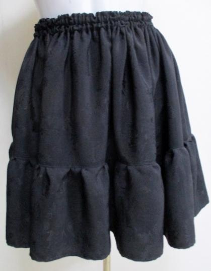 送料無料 地模様入りの黒の羽織で作ったミニスカート3362
