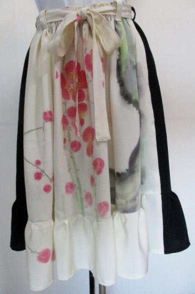 送料無料 花柄の訪問着と黒の着物で作った膝丈スカート 3386