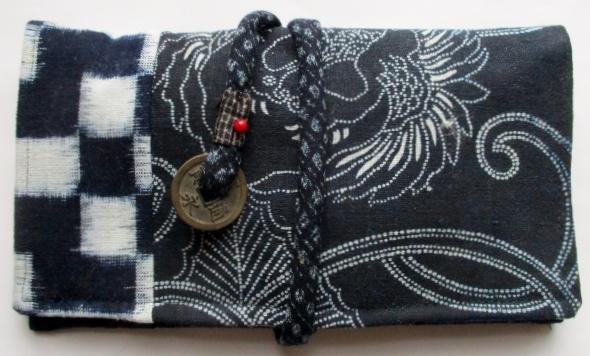 送料無料 型染めと久留米の絵絣と絣で作った和風財布・ポーチ 3388