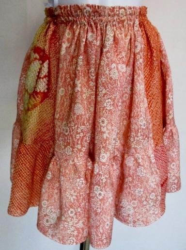 送料無料 花柄の着物と絞りで作ったミニスカート 3396