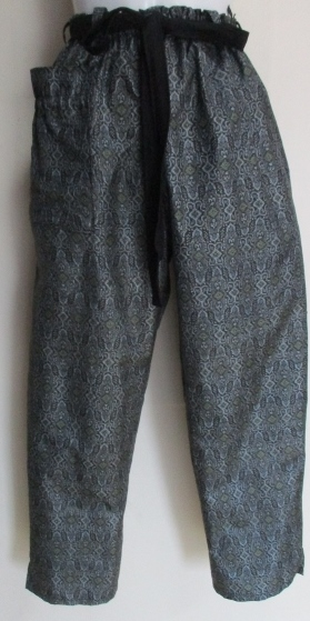送料無料 正絹の着物で作ったサブリナパンツ 3471