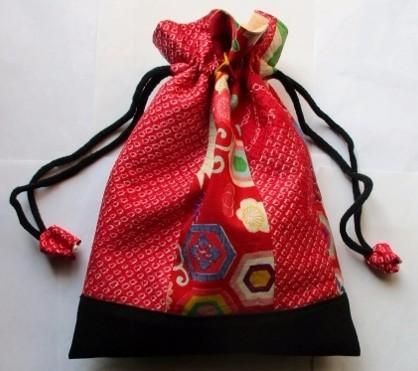 送料無料 絞りと花柄の着物で作った巾着袋 3501