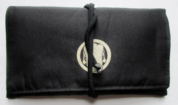 送料無料 家紋入りの着物で作った和風財布・ポーチ3544