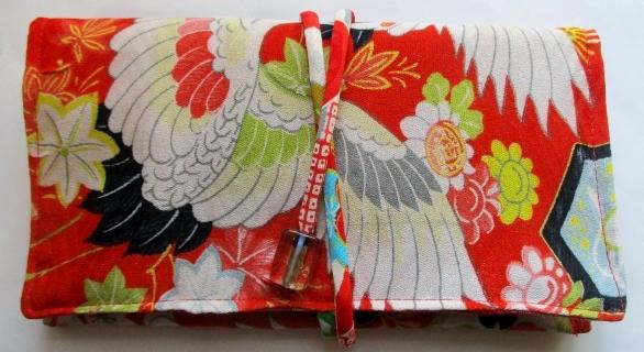 着物リメイク 鶴柄の着物で作った和風財布・ポーチ3547