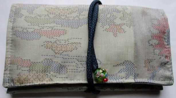 送料無料 色大島紬の着物で作った和風財布・ポーチ3565